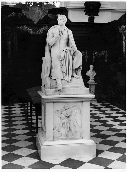 George Gordon Byron, marmorstatue på Trinity College i Cambridge